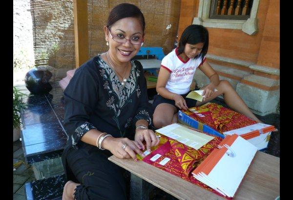 Mirah's Factory – Batik Finishing