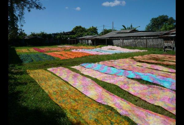 batik-by-mirah-stamping-and-drying-14