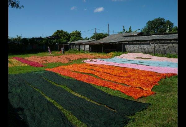 batik-by-mirah-stamping-and-drying-18